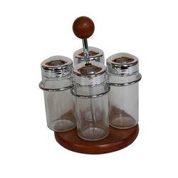 Σετ Μπαχαρικών 4 Θέσεων 13x11x18cm Επινικελωμένο Ατσάλι με Ξύλινη Βάση και Γυάλινα Βαζάκια