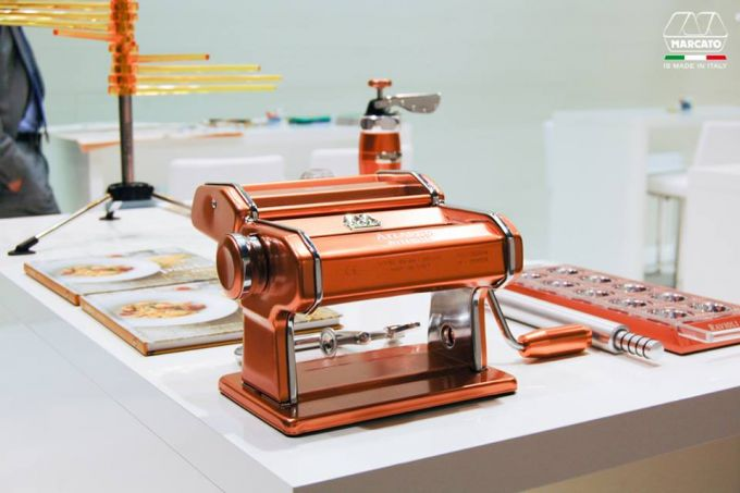 Marcato Φόρμα Design 10 θέσεων Χάλκινο για Ζυμαρικά Ravioli 34x12.5x2cm και Πλάστης
