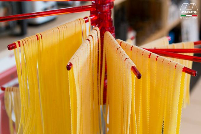 Marcato Στεγνωτήρι Ζυμαρικών με 16 Ράβδους MAX Αντοχή 2kg Βάση Αλουμινίου-Πλαστικοί Ράβδοι Κόκκινο